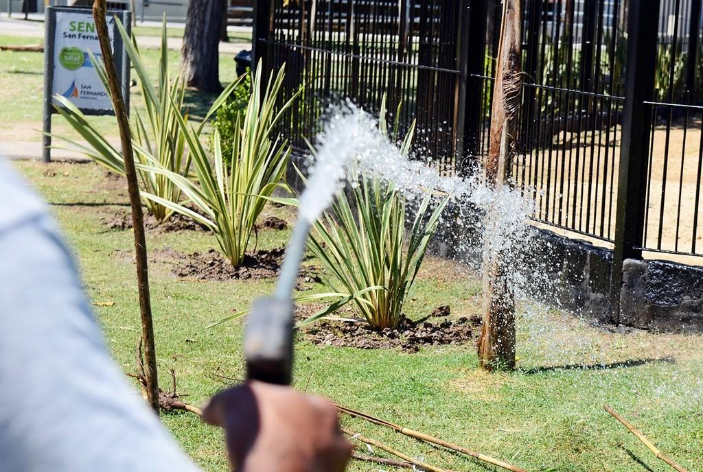 San Fernando hace mantenimiento de plazas y parques