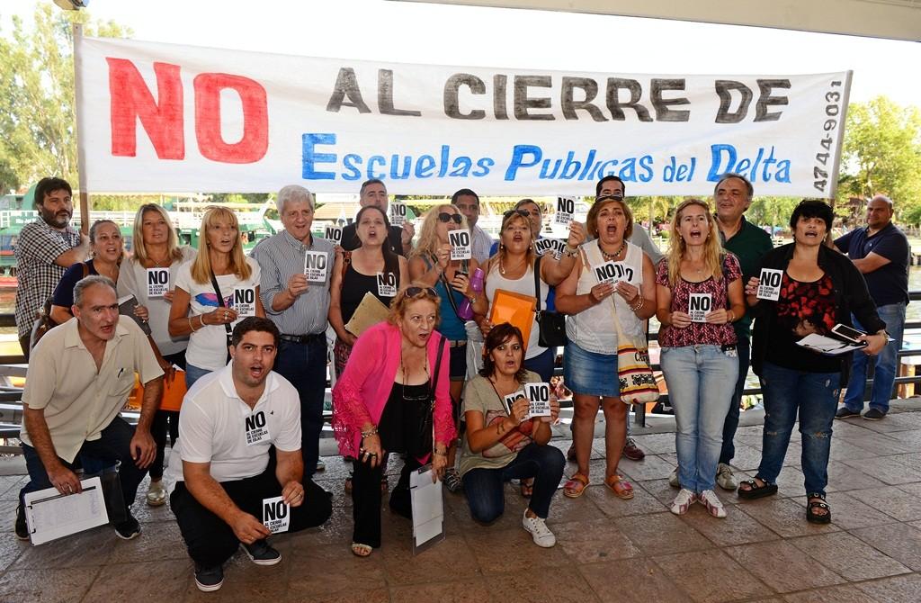 San Fernando se manifestó contra el cierre de las escuelas de Islas en la estación fluvial