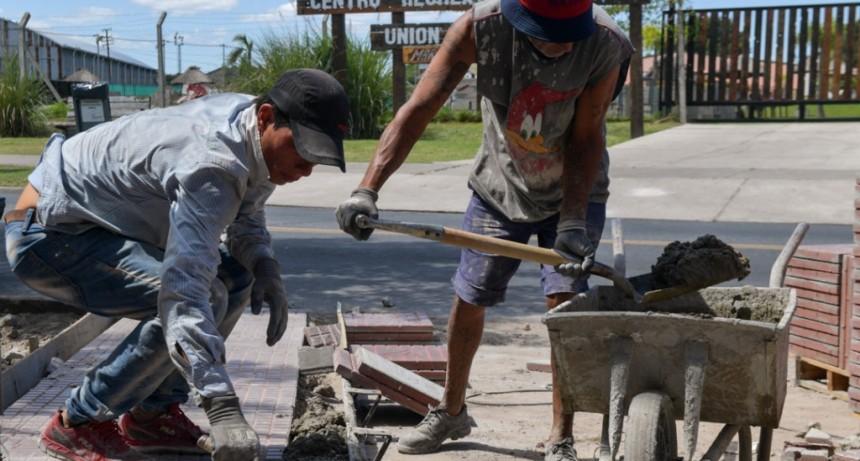 Avanza la renovación de veredas de Av. Sobremonte y la calle Belgrano