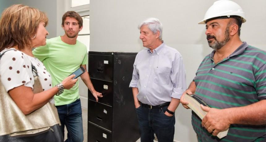 Luis Andreotti supervisó el avance la obra de la Escuela Provincial N°9