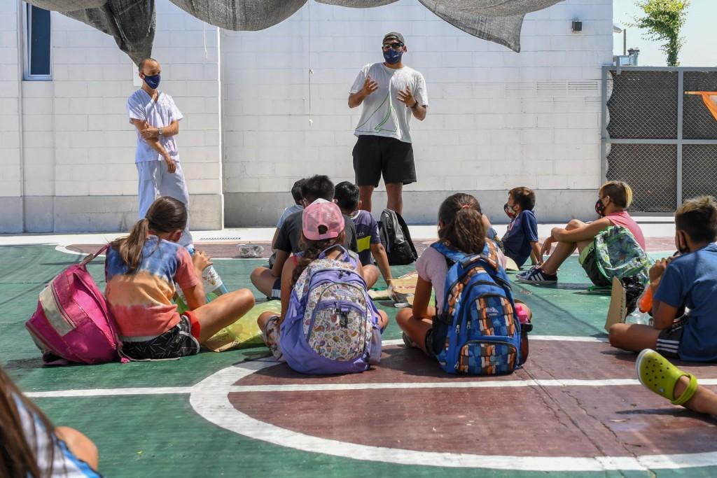 En las Colonias de San Fernando, chicas y chicos aprenden cómo se hace RCP