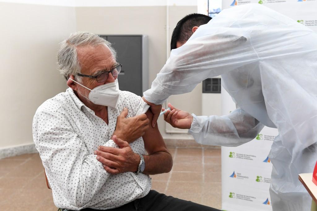 Comenzó la vacunación contra Covid-19 para mayores de 60 años y personas de riesgo en San Fernando