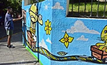 Artistas locales pintaron los alrededores del Jardín N° 901