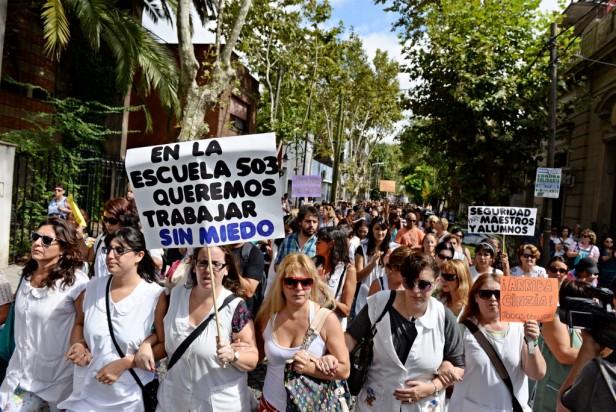 Marcha pacífica en apoyo a la maestra golpeada