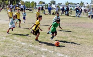 """Con más de 1500 chicos inscriptos, el Municipio realizó el lanzamiento de la """"Liga de Fútbol Infantil"""""""