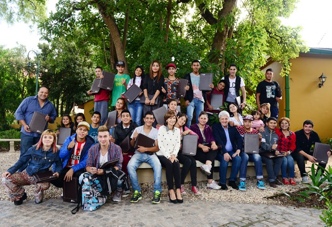 San Fernando reconoció a chicos de la 'Casa de Día' que volvieron a la escuela