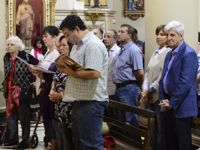 Andreotti compartió con los vecinos de San Fernando la Misa de Pascua de Resurrección
