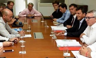 Junto al intendente de Tigre, Julio Zamora, y al Diputado Nacional, Sergio Massa,