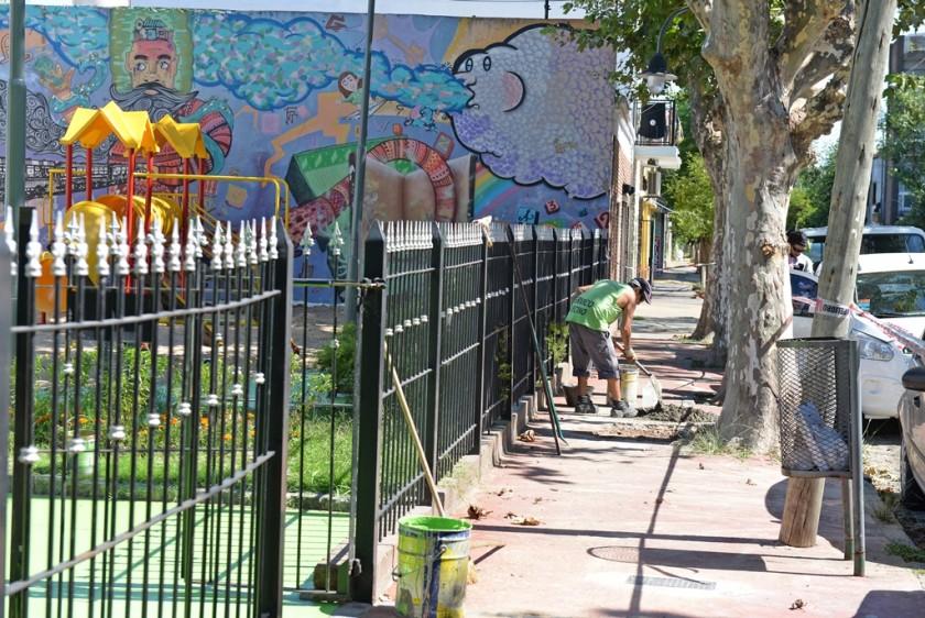 """San Fernando trabaja en el mantenimiento de la """"Plaza de los Escritores"""""""