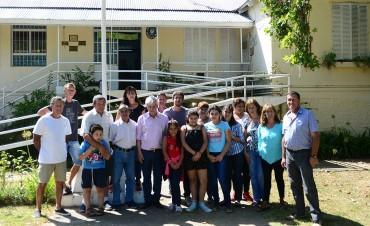 Andreotti visitó las seis Escuelas de Islas que Provincia prometió no cerrar