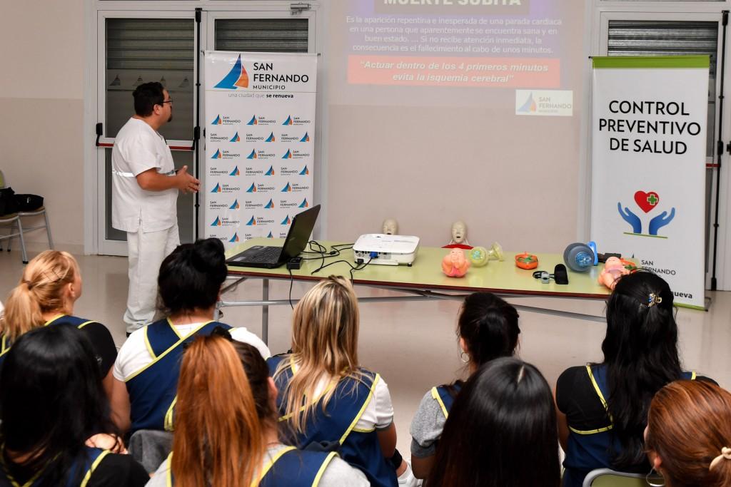 San Fernando capacitó en RCP a las maestras de los Jardines Maternales Municipales