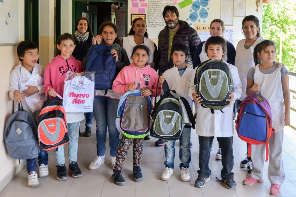 San Fernando entregó kits escolares a la EPB N°31 de Isla