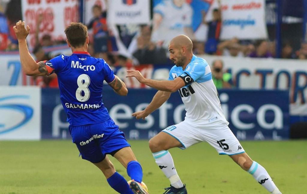 El error increíble del arquero de Tigre que derivó en el gol clave para Racing  con Augusto Solari en posición adelantada