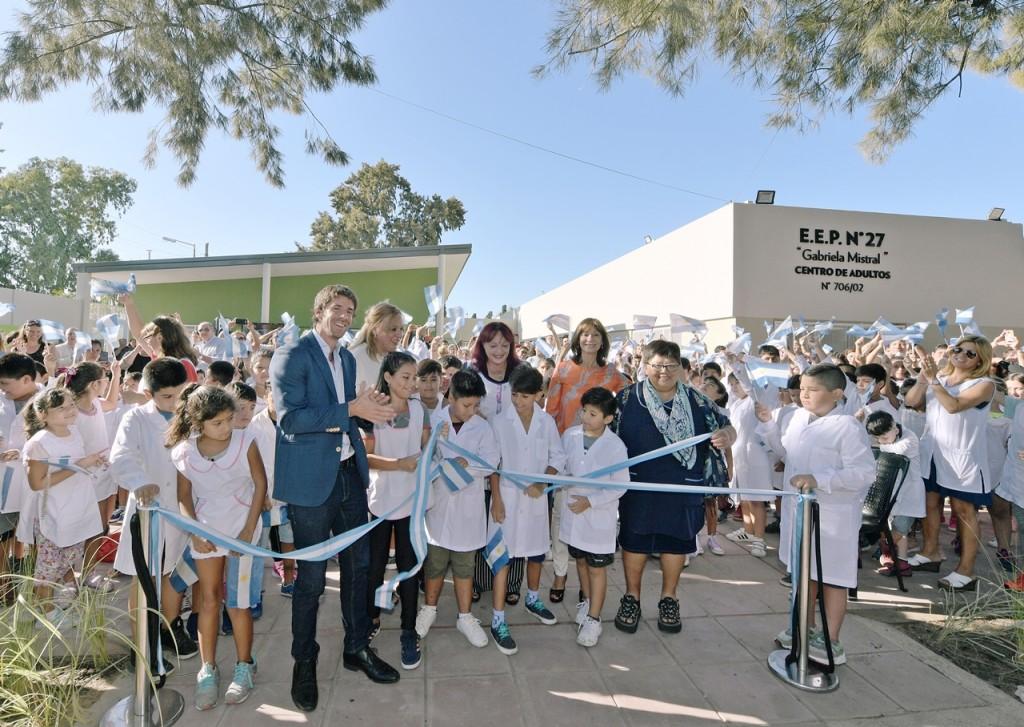 Juan Andreotti inauguró la segunda escuela provincial de 8 renovadas por el Municipio
