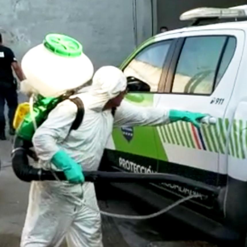 San Fernando desinfecta patrullas y móviles de seguridad que trabajan durante la cuarentena