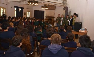 Ex Combatientes de Malvinas disertaron en un Colegio de Rincón de Milberg