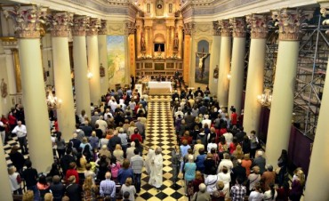El Intendente Luis Andreotti participó de la misa de Pascua en la Parroquia Nuestra Señora de Aránzazu