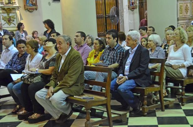 Luis Andreotti asistió a la misa de Pascua de la Parroquia Nuestra Señora de Aránzazu