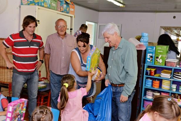 Andreotti llevó el Programa de Ayuda a Escuelas a la isla más alejada de San Fernando