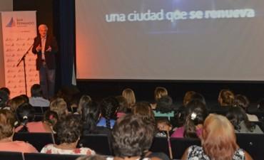 Luis Andreotti participó de un homenaje a las trabajadoras vecinales de San Fernando