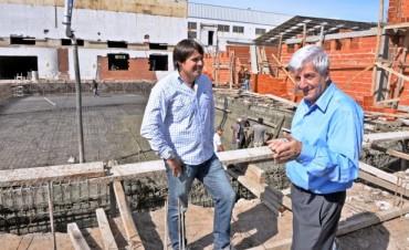 Avanza la construcción de la pileta semi-olímpica del Polideportivo N°6