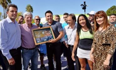 Sergio Massa y Luis Andreotti recibieron a Óscar de la Hoya en San Fernando