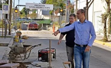 Se reconstruyen a nuevo las veredas de barrios y centros comerciales de San Fernando
