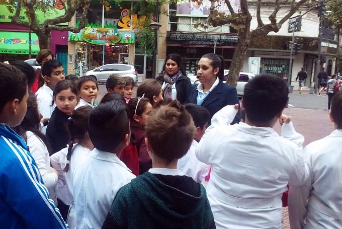 Cientos de estudiantes recorren San Fernando en visitas guiadas