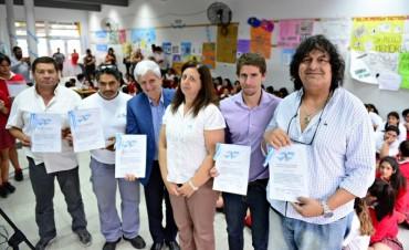 Andreotti participó del homenaje a ex combatientes de Malvinas en la Escuela de la Comunidad Cristiana