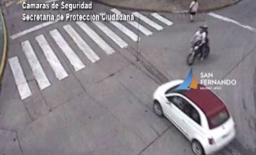 Las Cámaras de San Fernando permiten una rápida asistencia ante choque de moto y auto