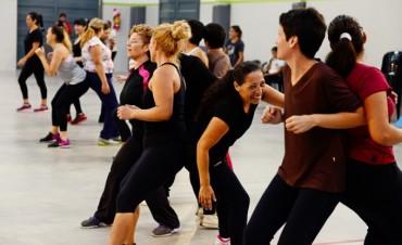 Miles de sanfernandinos disfrutan de gimnasia para adultos en el 'Poli' 6