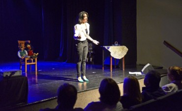 Anita Martínez brilló en el escenario del Teatro Martinelli