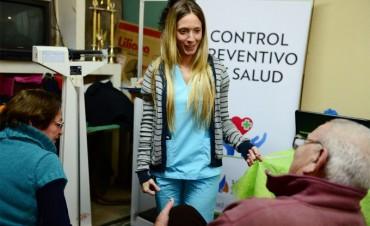 Controles de salud municipales rotan entre los centros de jubilados de San Fernando
