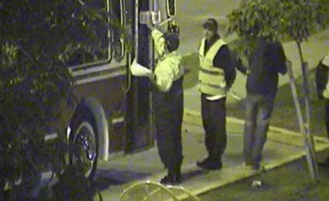 San Fernando: patrullas municipales detienen a dos micros que transportaban a adolescentes a fiestas