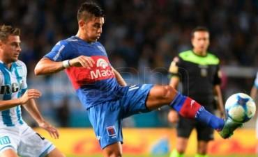Racing goleó a Tigre 4 a 1