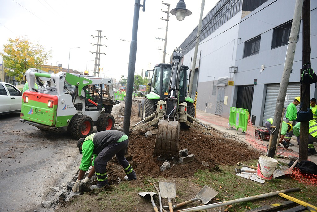 Avanza la renovación del centro comercial de la Avenida Sobremonte