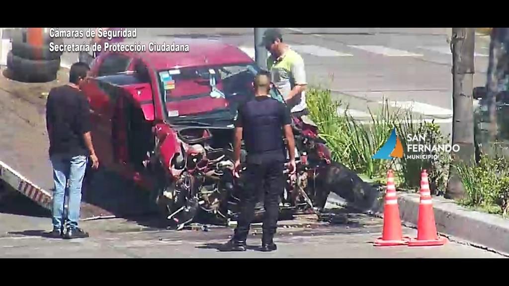 Los servicios de emergencias de San Fernando intervinieron tras un triple choque en Av. Avellaneda