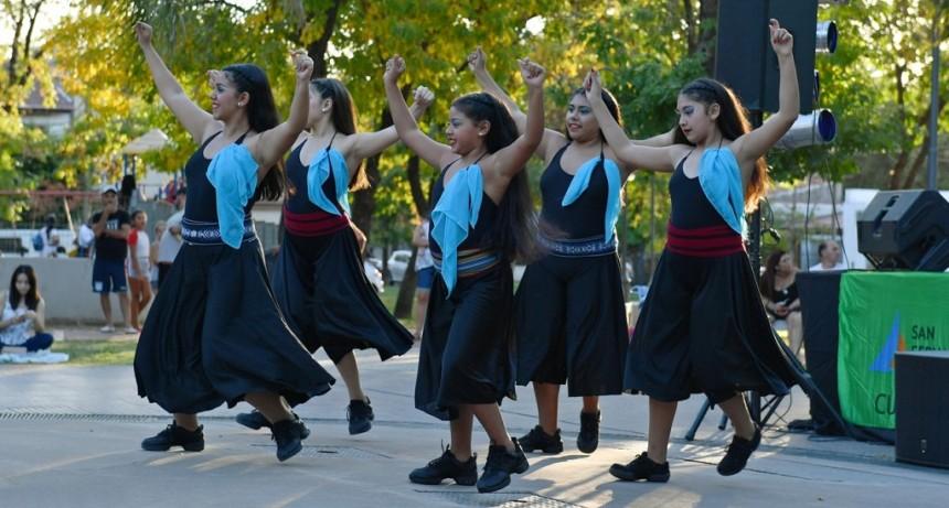 San Fernando realizó una inolvidable peña folclórica a cielo abierto