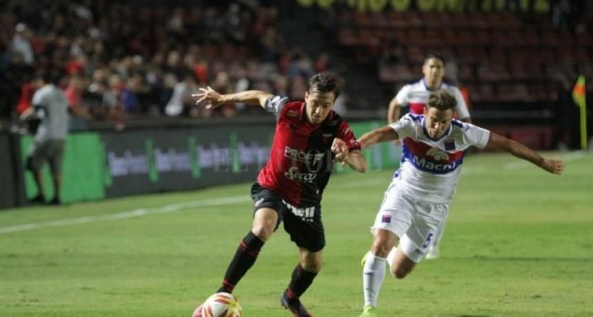 Colón de Santa Fe y Tigre igualaron 0 A 0 en el inicio de la Superliga