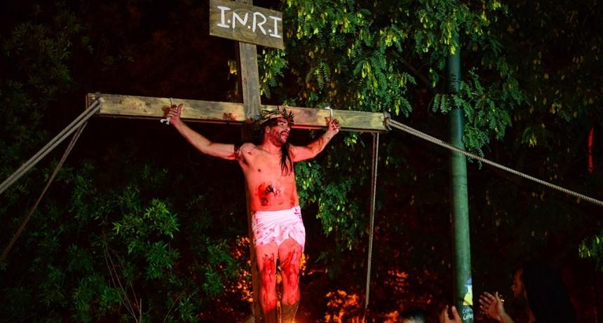 Este viernes, San Fernando conmemorará el tradicional Vía Crucis en la Plaza Carlos Gardel
