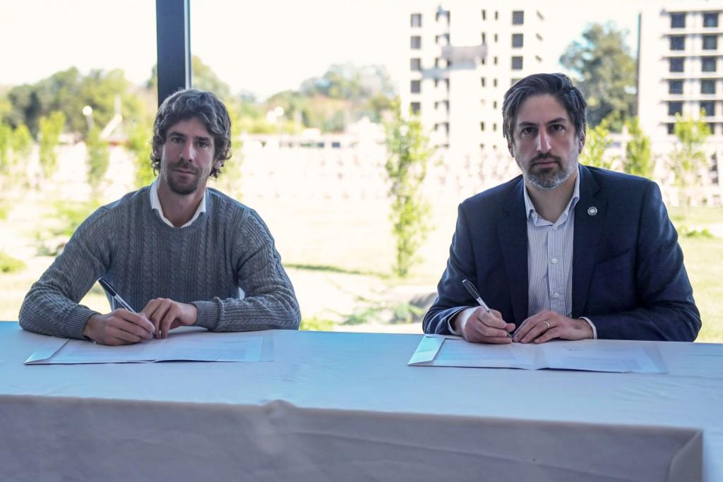 Juan Andreotti firmó convenio con el Ministro Trotta e Intendentes por netbooks para alumnos de 4to año de secundarias