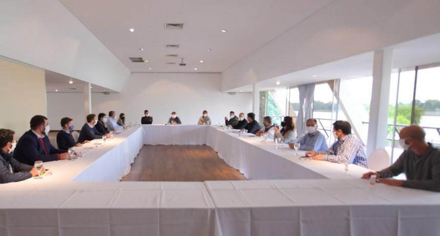 INTENDENTES DE LA PRIMERA SECCIÓN SE REUNIERON EN SAN FERNANDO CON ARROYO Y MASSA PARA COORDINAR ASISTENCIAS POR CORONAVIRUS