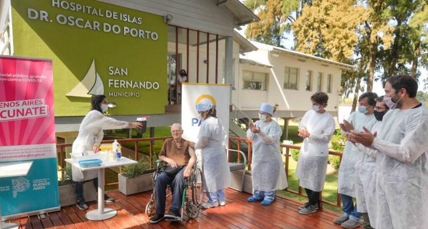 El Municipio acompañó a PAMI en la vacunación de adultos mayores en el Hospital de Islas 'Do Porto'