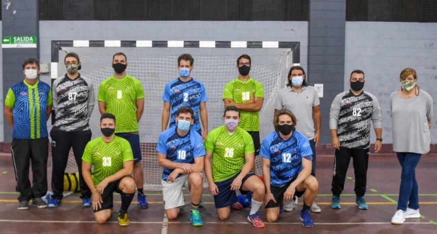 El Municipio de San Fernando entregó las camisetas oficiales que usarán sus equipos federados de handball