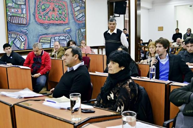Todos los concejales, incluso los del FPV, reclaman a la Provincia el pago del subsidio para los Bomberos