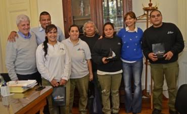 Luis Andreotti se reunió con una cuadrilla de mantenimiento que evitó un asalto