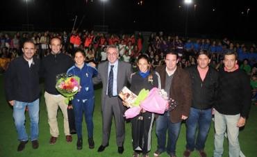 """Con """"Las Leonas"""", se lanzó la temporada de hockey en Tigre"""