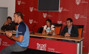 El remero Ariel Suárez brindó una clínica en Tigre