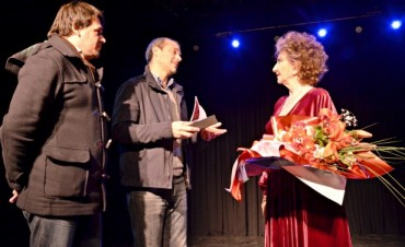 """Norma Aleandro honró al Teatro Martinelli con """"Sobre el amor y otros cuentos sobre el amor"""