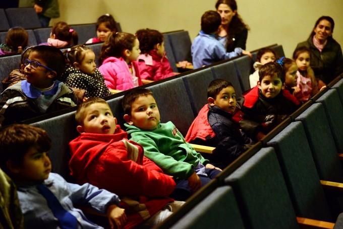 20 escuelas disfrutaron de actividades por el 'Día de la Patria' en el Teatro Martinelli de San Fernando